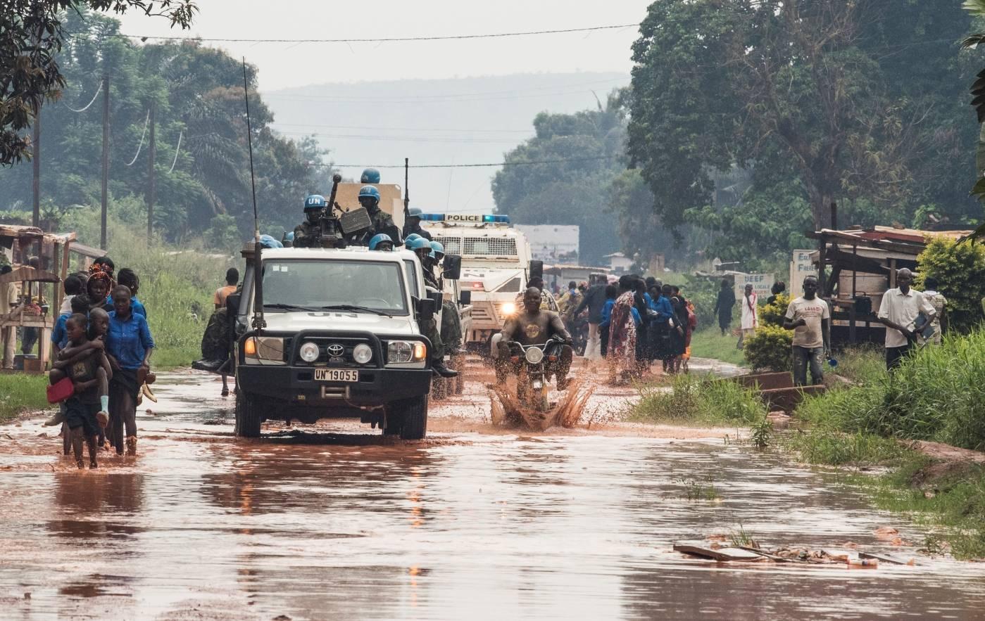 FNs fredsbevarende styrker patruljerer i Den sentralafrikanske republikk. Foto: UN Photo/Eskinder Debebe.