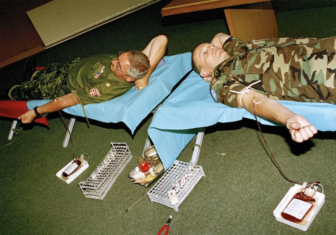 FN-soldater i Makedonia donerer blod. Foto: UN Photo/Igor Vasilev