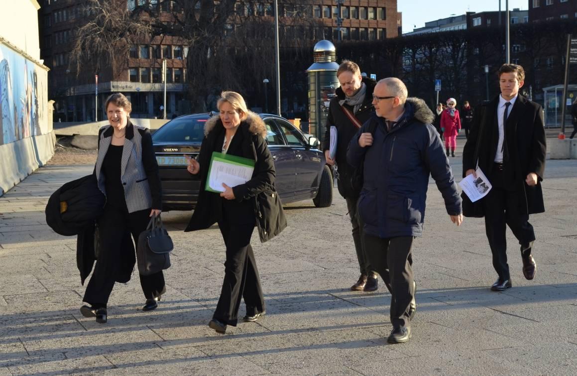 Her er Helen Clark på vei til Nobels Fredssenter i Oslo under sitt norgesbesøk i begynnelsen av mars.