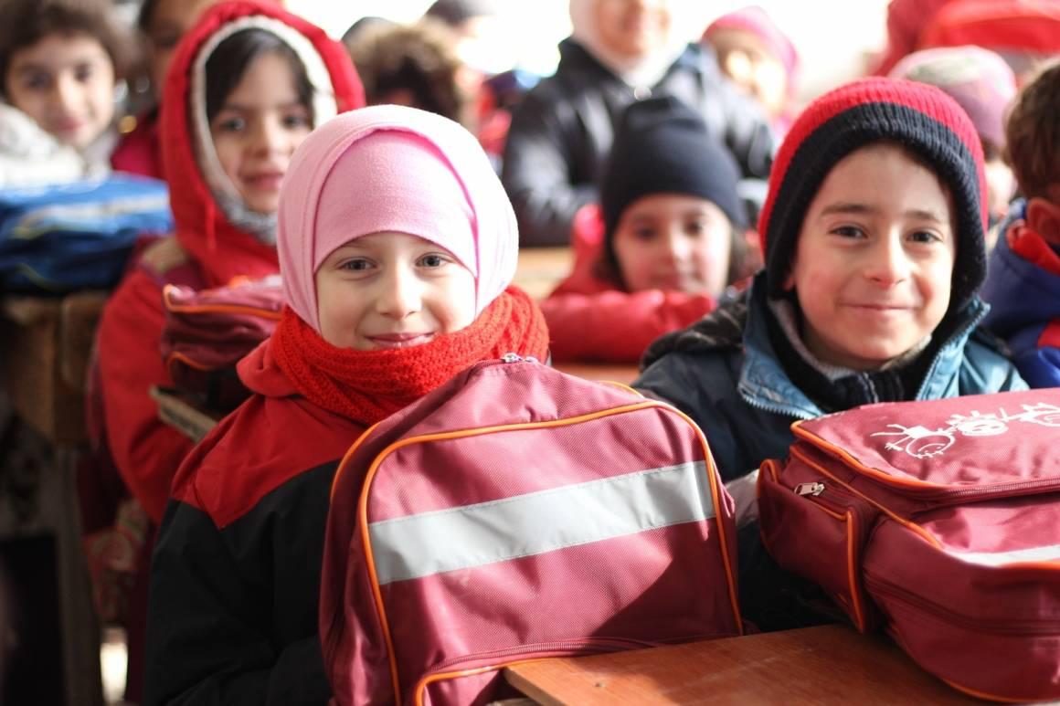 Første skoledag i Aleppo, bare få uker etter at kamphandlingene ble avsluttet i Desember 2016. Foto: UNICEF / Khuder Al-Issa