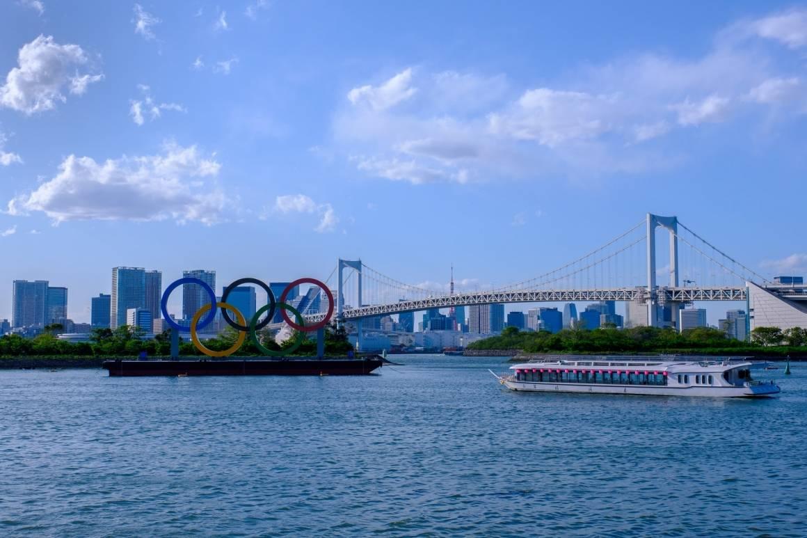OL ringene i Odaiba, Japan. De olympiske lekene varer fra 23. juli til 8. august. Foto: Unsplash/Erik Zunder @erikzunder (IG)