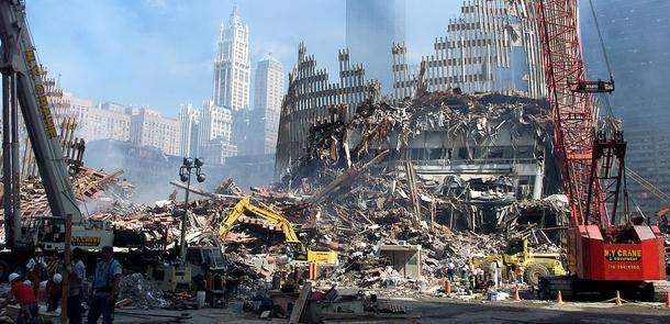 Islamistnettverket al-Qaida påtok seg skylden for terrorangrepet mot USA 11. september 2001. Bildet viser ruinene av World Trade Center, kjent som Ground Zero, en uke etter angrepet. Foto: UN Photo/Eskinder Debebe