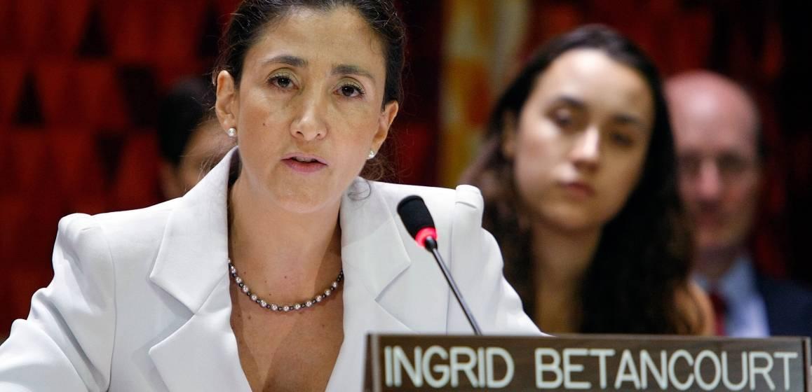 Ingrid Betancourt Pulecio holder tale i FN.  UN Photo/Paulo Filgueiras