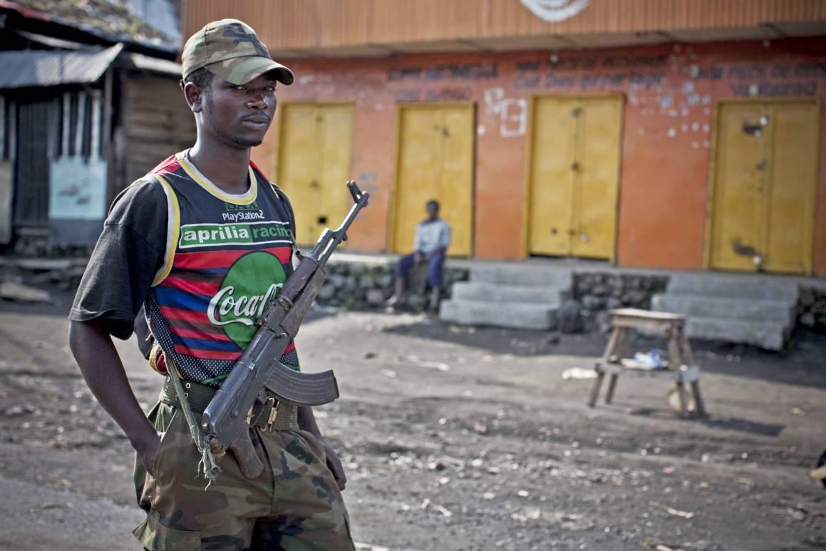 En soldat fra opprørsgruppen M23. Foto: IRIN/Kate Holt