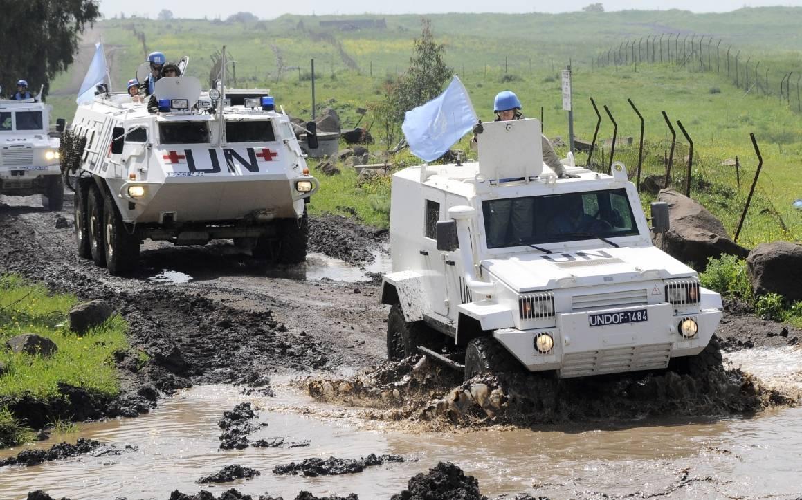 Bildet viser FNs fredsbevarende styrker (UNDOF) i grenseområdet mellom Syria og Israel. FN-oppdraget ble etablert av Sikkerhetsrådet i 1974, blant annet for å sikre at våpenhvilen mellom Syria og Israel ble opprettholdt. Foto: UN Photo/Wolfgang Grebien