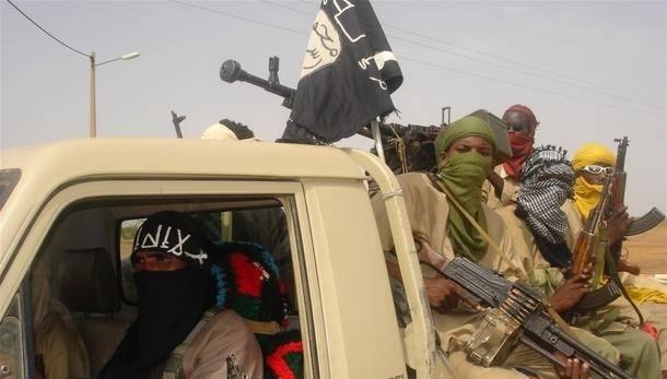 Konflikten i Libya har påvirket andre konflikter i Afrika. Bildet viser medlemmer av opprørsgruppen Movement for Oneness and Jihad in West Africa (MUJWA), som har kontroll i områder nord i Mali. Foto:Brahima Ouedraogo/IRIN Photo