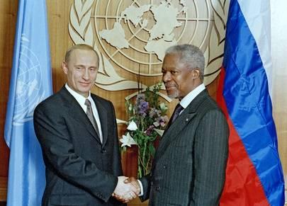 Russlands president Vladimir Putin sammen med Kofi Annan 2001.