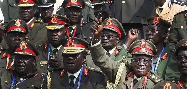 Her er de militære lederne i Sør-Sudan samlet i 2011, før intern splittelse og borgerkrig brøt ut (Foto: Steve Evans/Flickr)