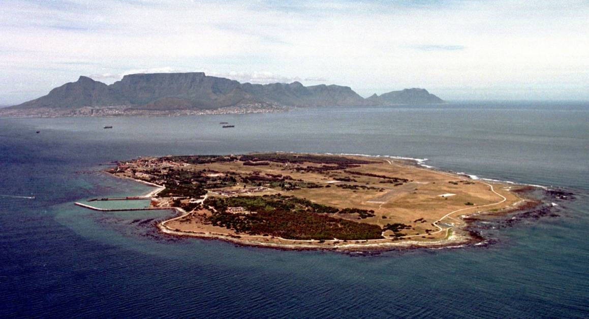 På Robben Island levde fangene isolert fra omverdenen. Fengselet på øya ble stengt for siste gang i 1996. Foto: Gallo Images/Oryx Media Archive/Getty Images.