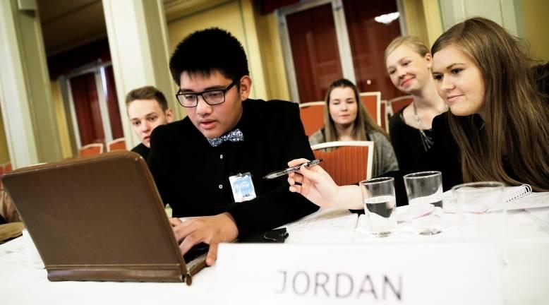 Jordans FN-delegasjon under et rollespill i Gamle Logen i Oslo 2016. Foto: Paal Audestad