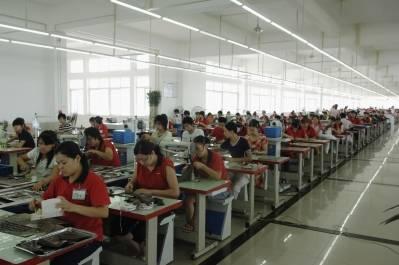 Illustrasjonsbilde: Produksjon av sko ved fabrikk i Chengdu. Kina. Foto: ILO ved Crozet M.