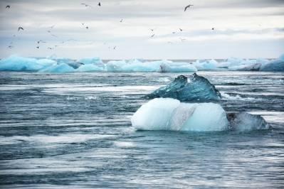 Havet stiger raskere enn før, og det vil fortsette slik i århundrer er et av funnene i WMO sin siste klimarapport.  Foto: Unsplash/L.W.
