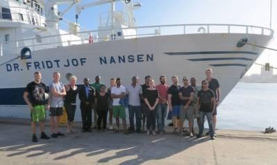 Forskerne mønstrer av Nansen i Durban, etter sommerens forskningsekspedisjon i det Indiske hav. Foto: EAF Nansen.